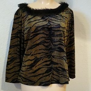 Tops - 4/$10- Funky Blouse